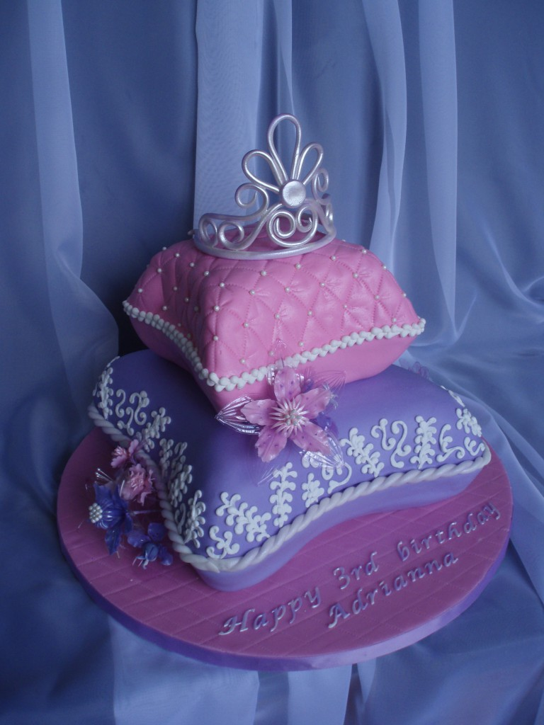 Princess Pillow Cake Images : Princess Pillow Cake Sweet Discoveries