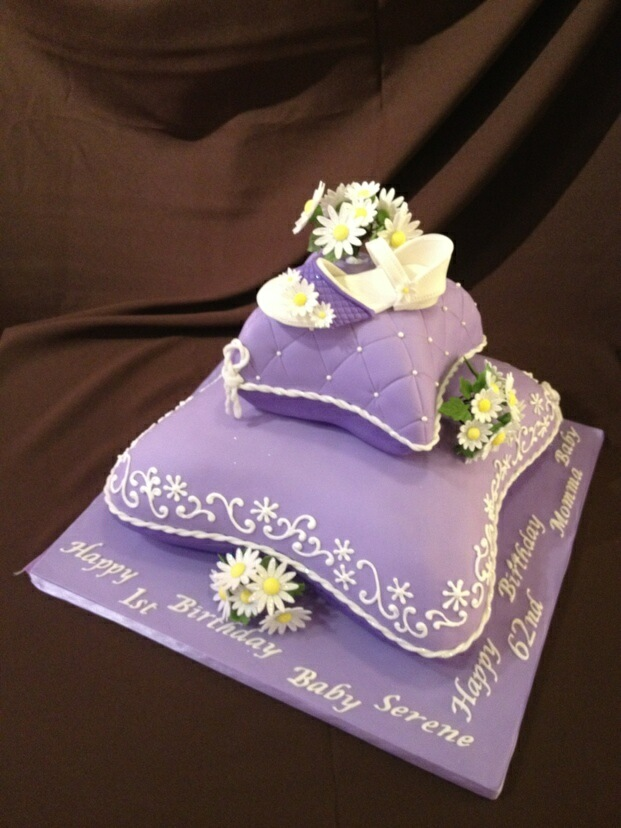 pillow cakes on pinterest cakes princess fashion and wedding cakes. Black Bedroom Furniture Sets. Home Design Ideas