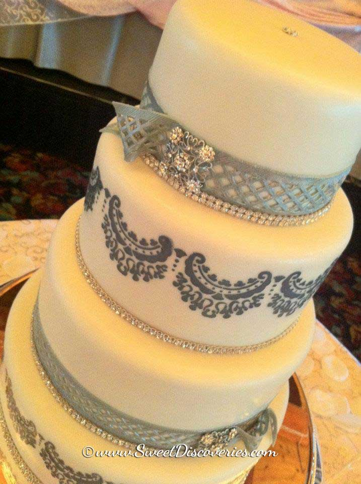 Grey Lace Wedding Cake | Sweet Discoveries