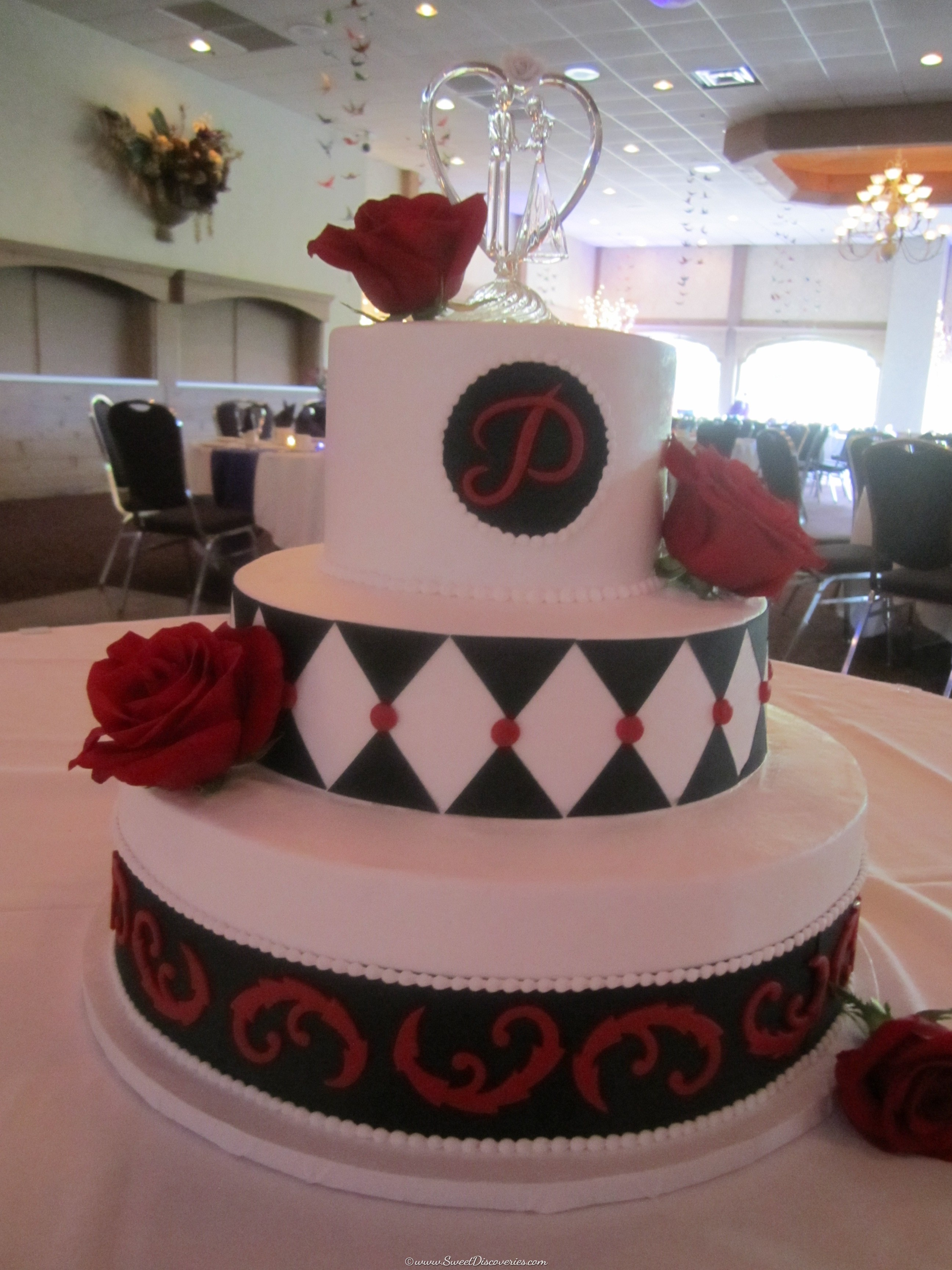 Alice in Wonderland Inspired Wedding Cake | Sweet Discoveries