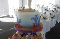 Beach Wedding Cake & Cupcakes